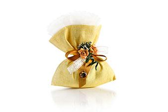 Bomboniera a sacchetto giallo con roselline
