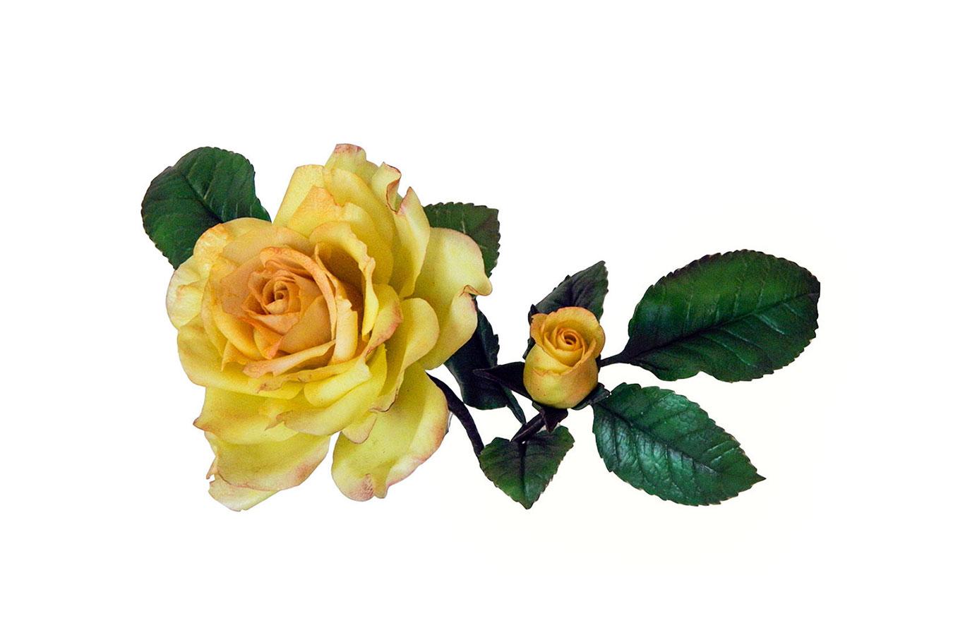 rosa gialla con bocciolo realizzata in porcellana fredda