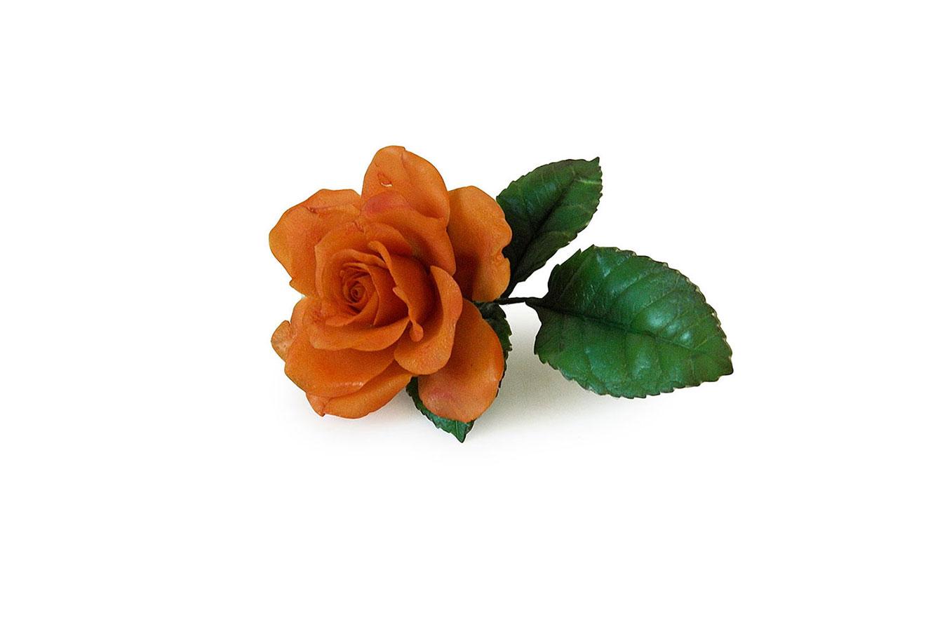 piccola rosa arancio realizzata in porcellana fredda